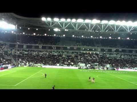 Fans Juventusu pred zápasom