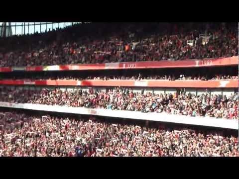 Fanúšikovia Arsenalu spievajú